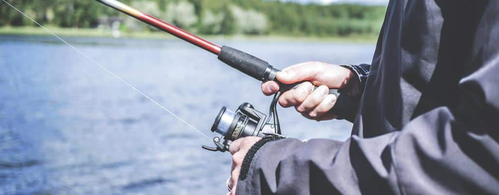 How to fish with fishing rod